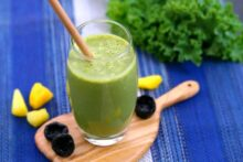 Pineapple Kale Smoothie Recipe