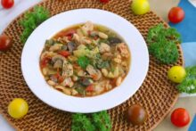Tuscan chicken crockpot soup