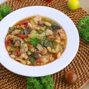 Tuscan chicken crockpot soup