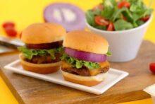 Hawaiian Roll Cheeseburger Sliders