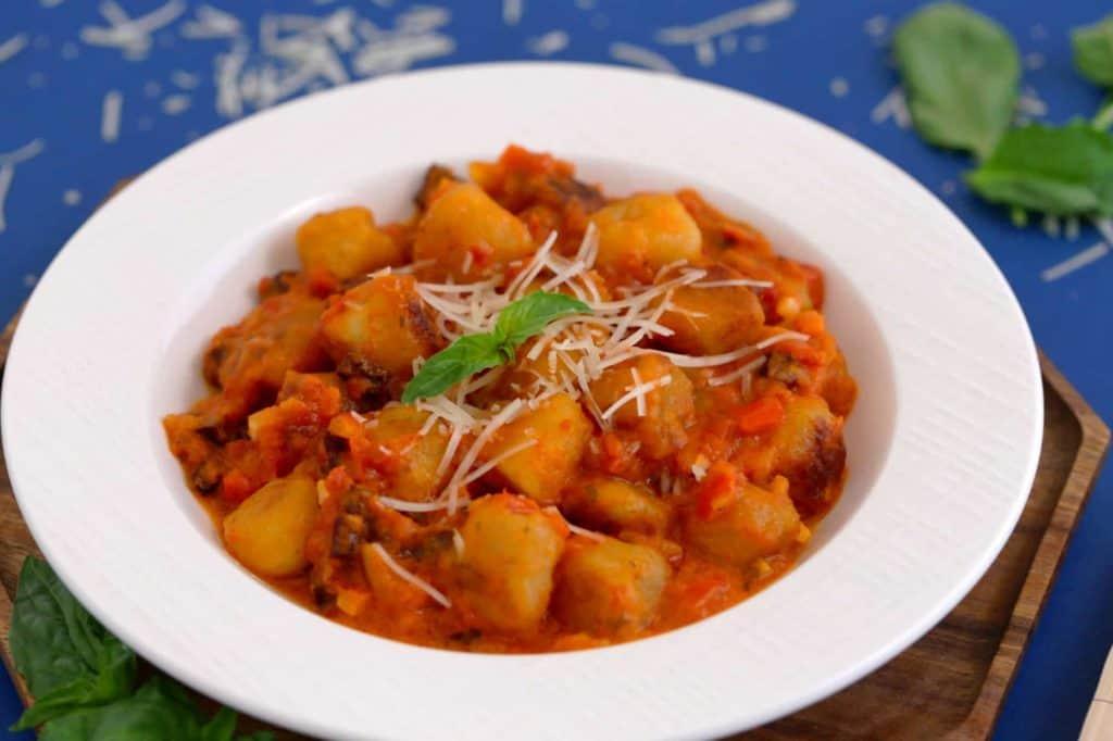 Easy Tomato Meat Sauce