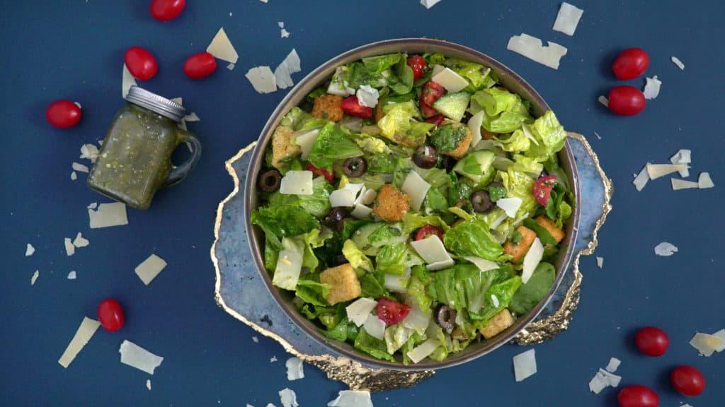 How to Make Italian Salad Dressing