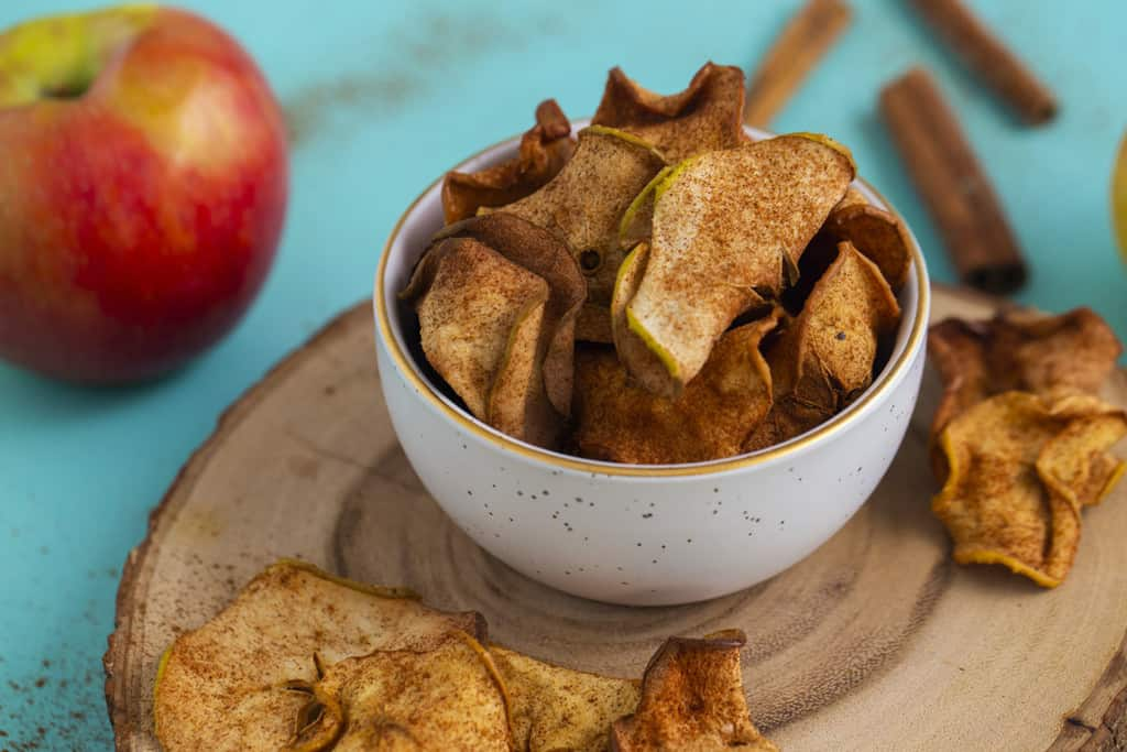 Dehydrated apple chips in air fryer