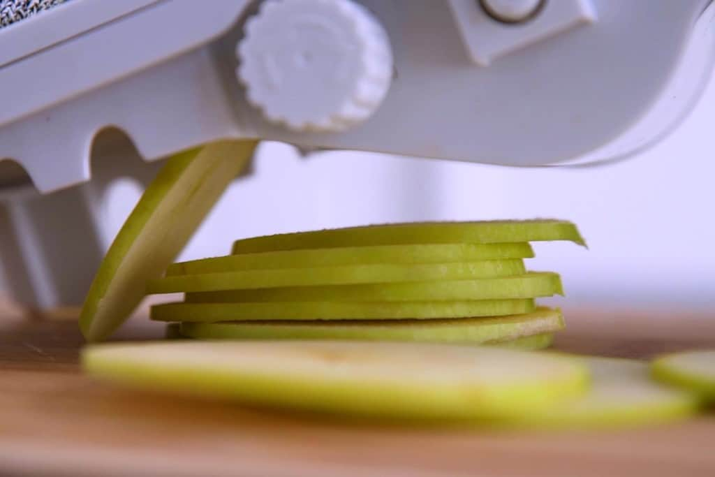 Thinly slice apples using a mandoline, or carefully using a knife.