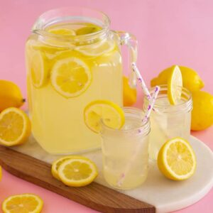 Homemade Lemonade with Simple Syrup