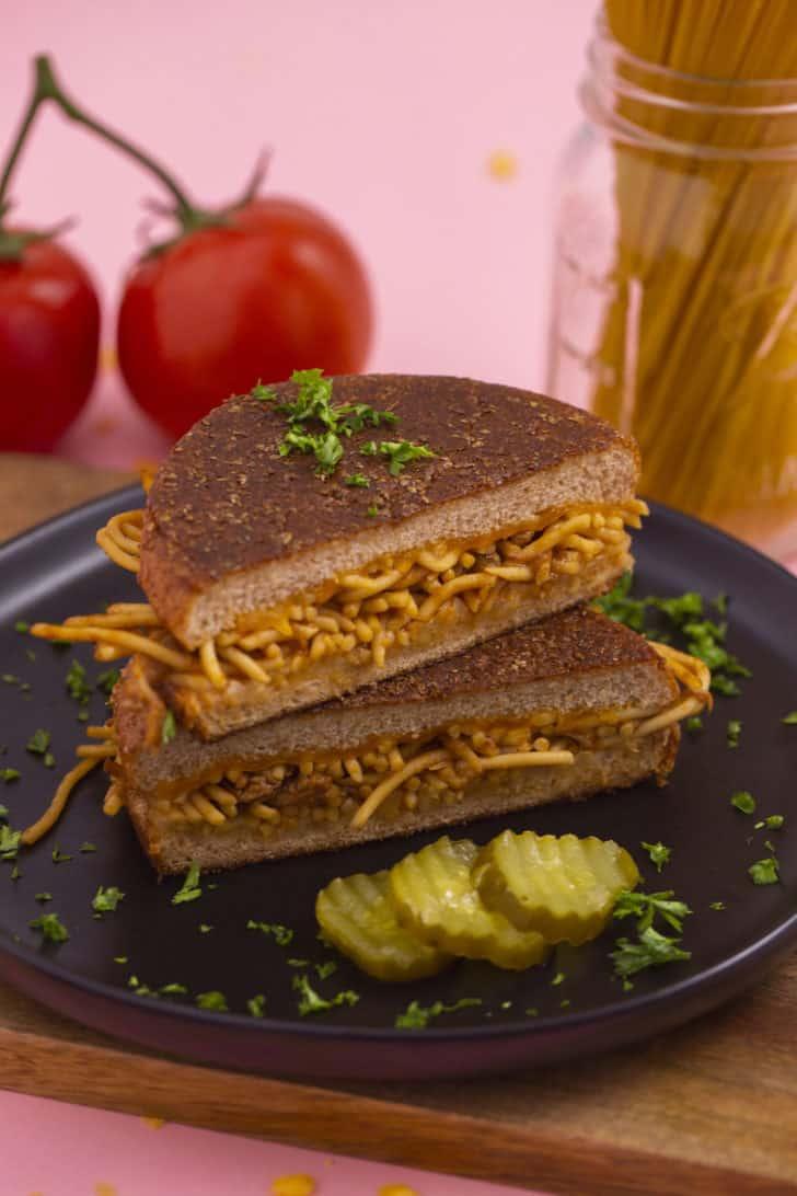 BBQ Spaghetti Sandwich