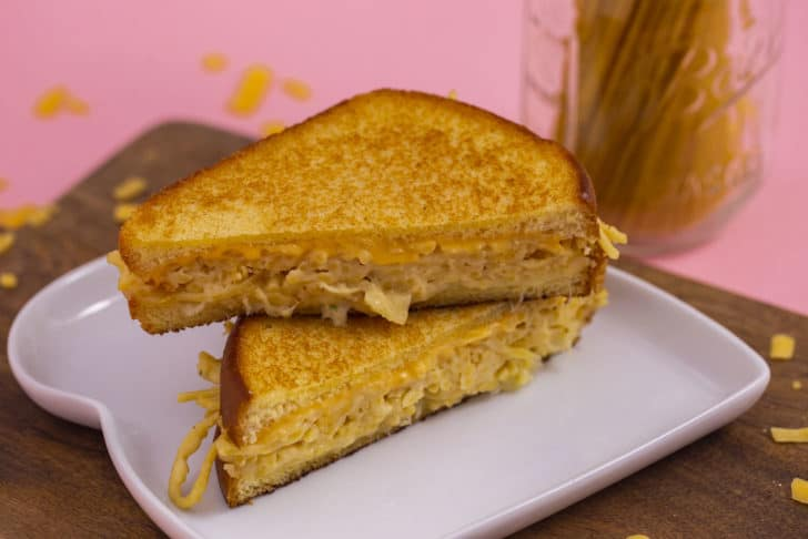 How to Make a Spaghetti Grilled Cheese
